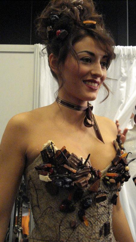 Robe en chocolat portée par Miss France 2007, souvenir de chez Bernachon